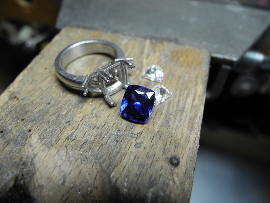 Sapphire ring deconstructed.
